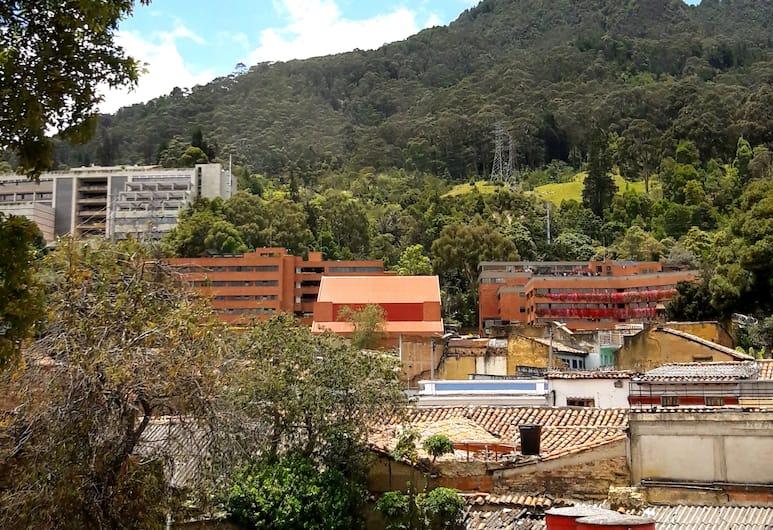 Hutel Candelaria, Bogotá, Ulkopuoli