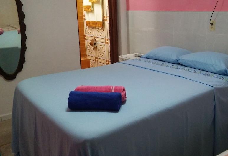 Casa Ramon y Yudy, Santiago de Cuba, Standard trippelrum, Gästrum