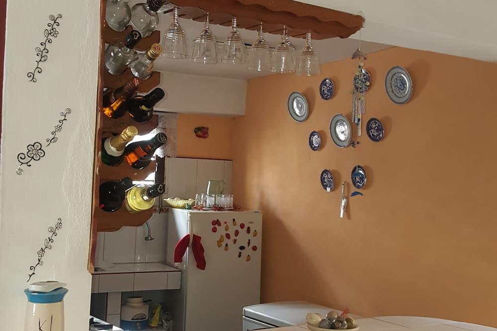 Standard Triple Room - Shared kitchen