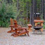 Midnight Sun Cabin - Garden View
