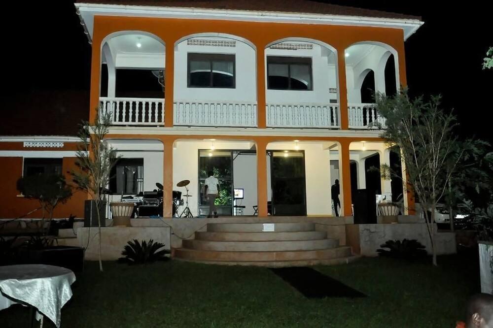 Dorabo Tourist Hotel