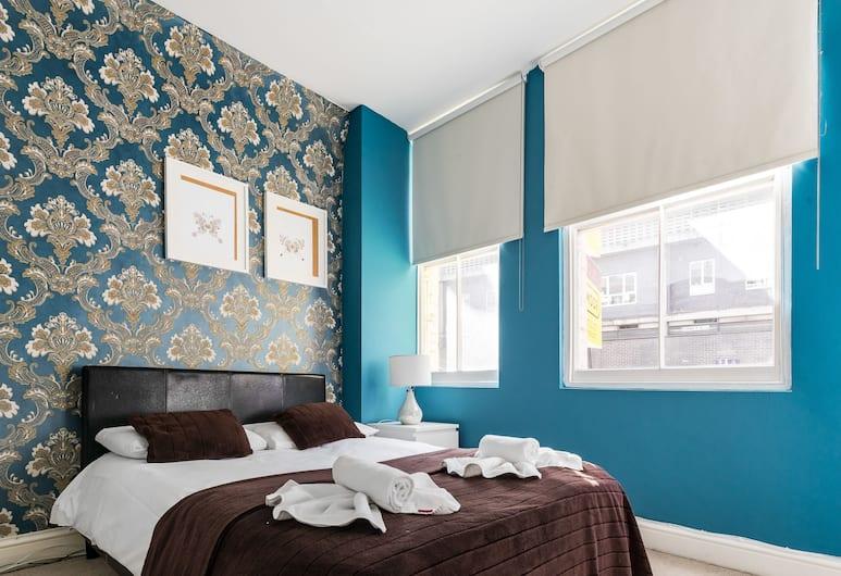 City Apartments, London, Tuba