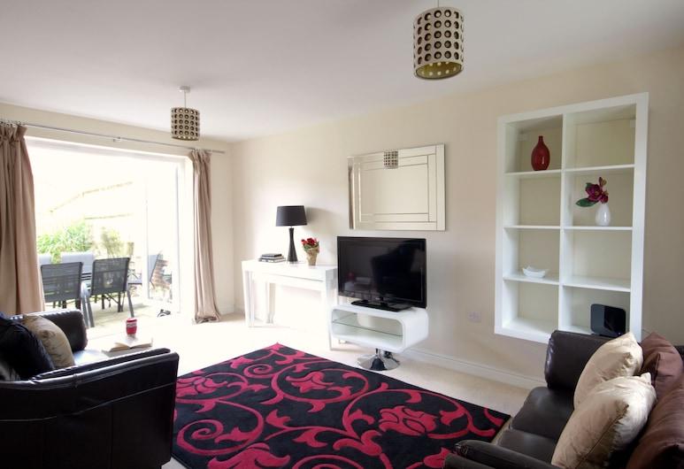 Osprey Avenue, Bracknell, Apartment, 4 Bedrooms (Sleeps 7), Living Room