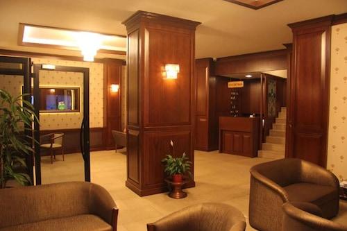 卡瑞克西飯店/