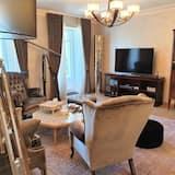 Luxury Apartment, 3 Bedrooms (Third Floor) - Living Area
