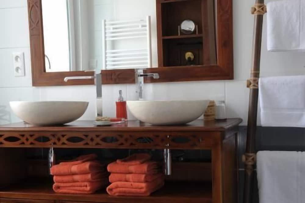 Deluxe-Doppelzimmer (Jeanne) - Badezimmer