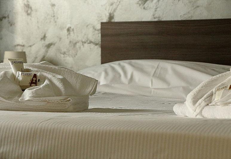 Flats4Rent Alfonso, Verona, Apartment, 1 Bedroom, Room