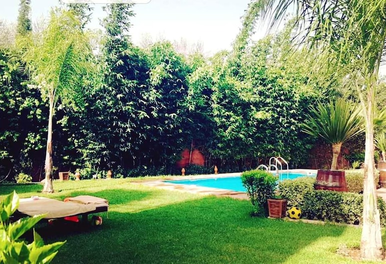 Villa With 3 Bedrooms in Aghmat, With Wonderful Mountain View, Private Pool, Enclosed Garden, Ghmate, Parco della struttura