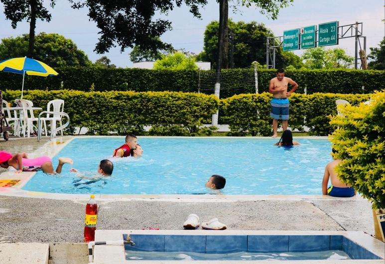 Finca Hotel El Meson, Armenia, Pool