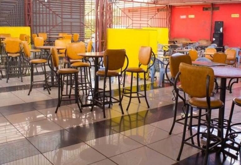 Klub Liquid Cash Thika, Thika, Hotel Bar
