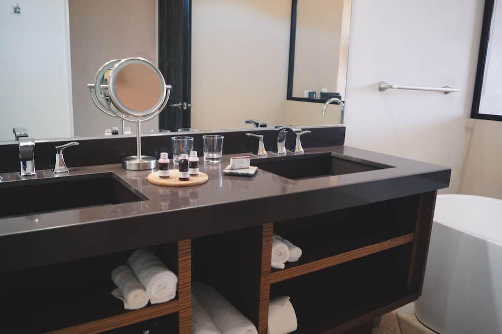 Quarto Duplo Júnior, 2 camas queen-size - Casa de banho