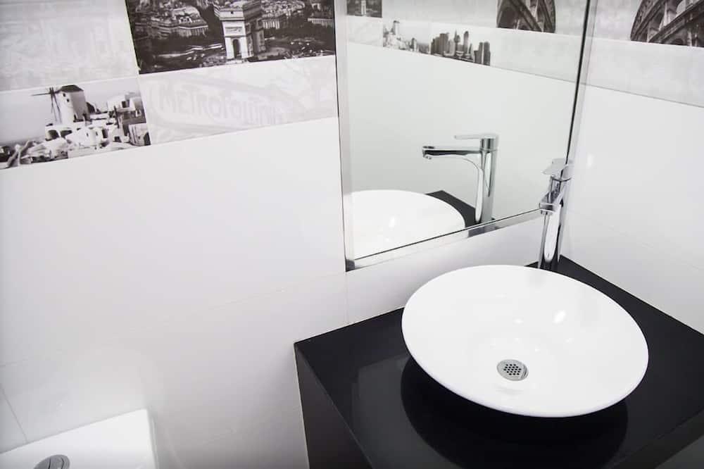 Dvoulůžkový pokoj pro 1 osobu - Umyvadlo vkoupelně