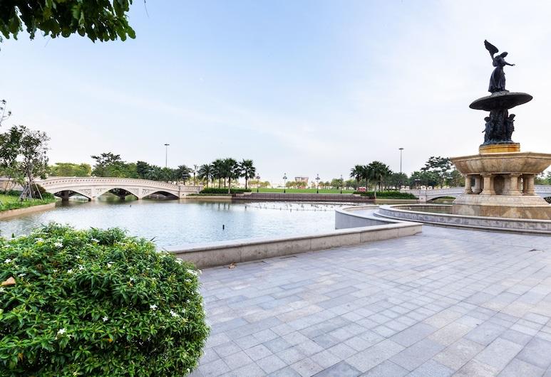 Vinhomes Central Park-Tory Apartment, Ho Chi Minh City, Lake