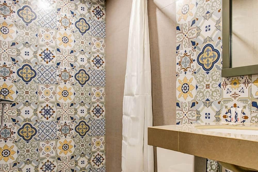 家庭客房 (Suite) - 浴室