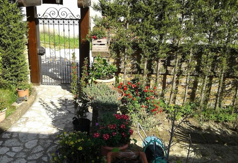بد آند بريكفاست فيلا ميلينا, اريانو إربينو, حديقة