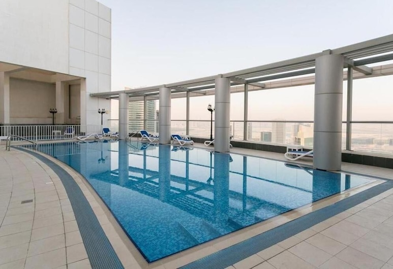 Bnbme - Burj Al Nujoom, Dubai, Outdoor Pool