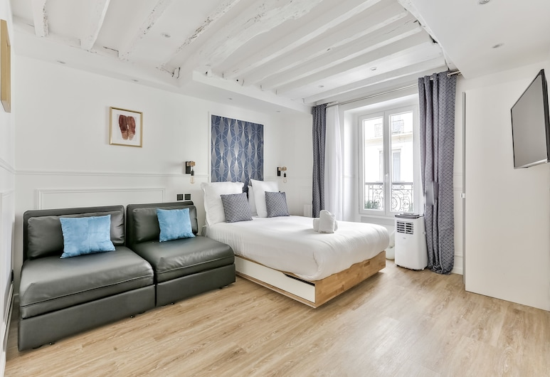 93 - Luxury Flat in Le Marais, Paris, Apartment, Room