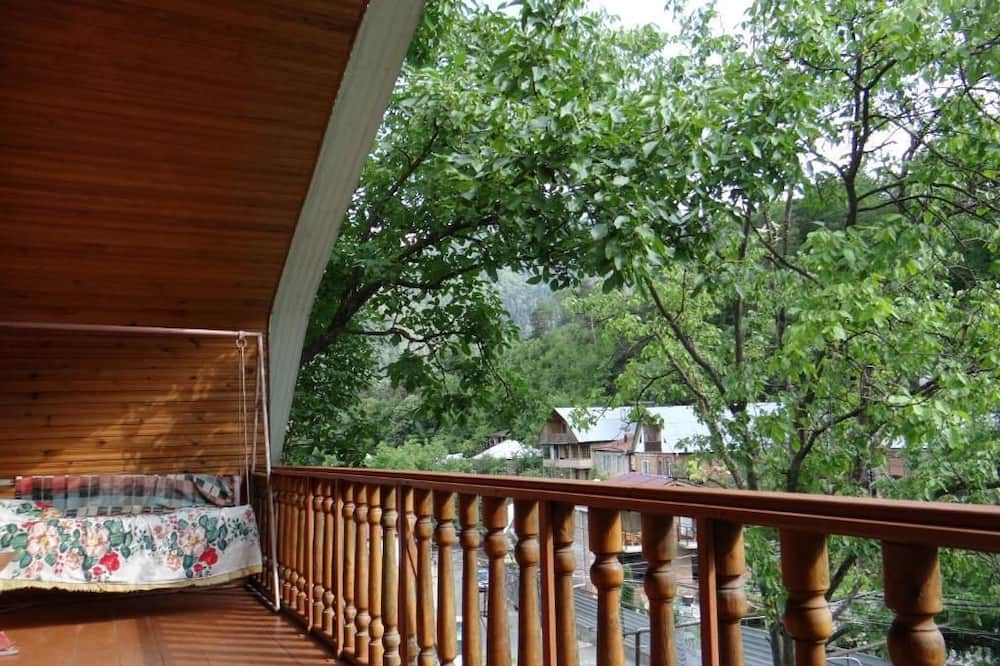 Habitación estándar con 2 camas individuales, baño compartido - Terraza o patio