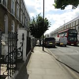 Apartment, 1 Bedroom, Ensuite - Street View