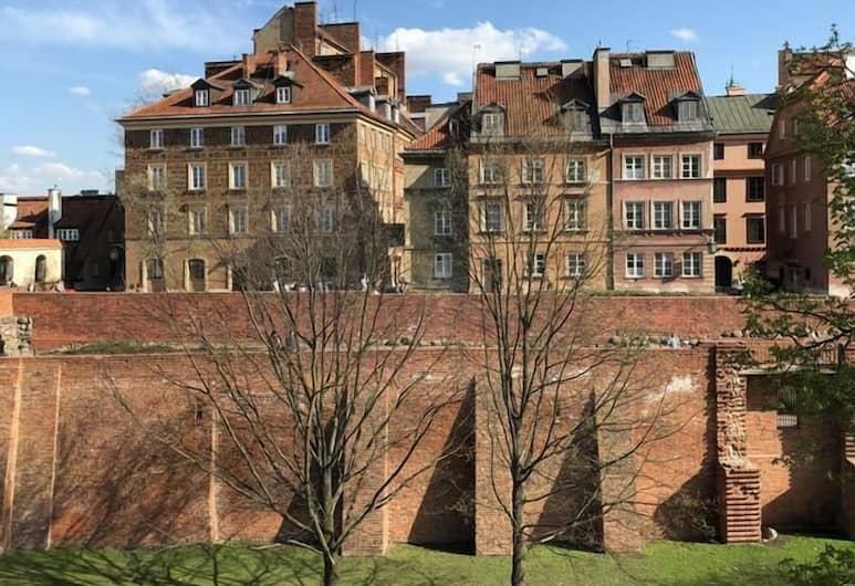 Apartamenty MnW, Warszawa, Z zewnątrz