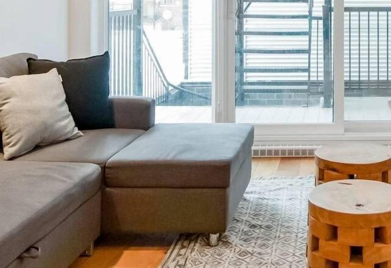Hip, Stylish Apartment in Little Italy, Montreal, Sala de estar