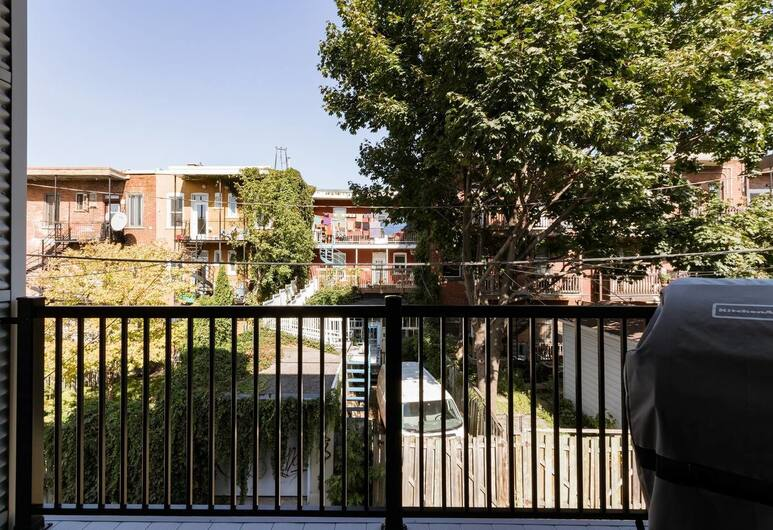 Exquisite Modern Condo in Little Italy, Montreal, Balcony