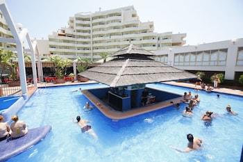 תמונה של Benal Beach Terrace by Madflats Collection בבנלמדנה