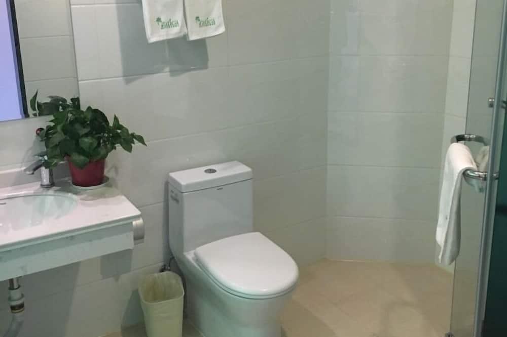 Room, No Windows - Bathroom