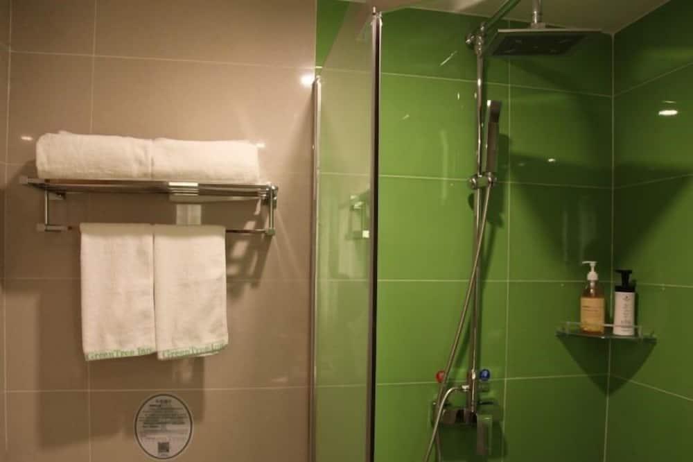 Quarto Twin - Polibã na Casa de Banho