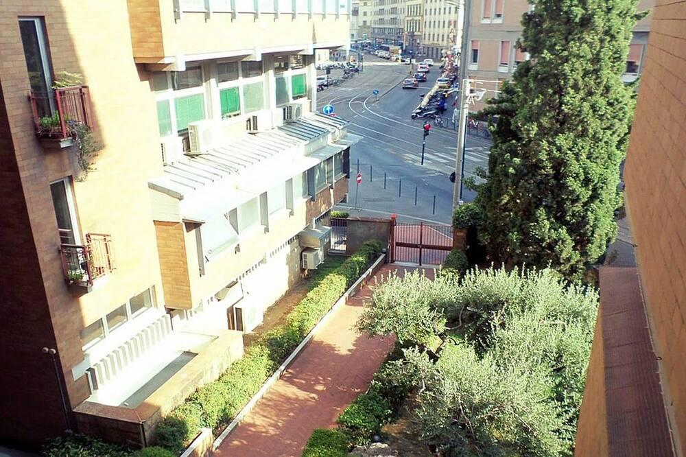 Camera tripla, bagno condiviso - Vista città