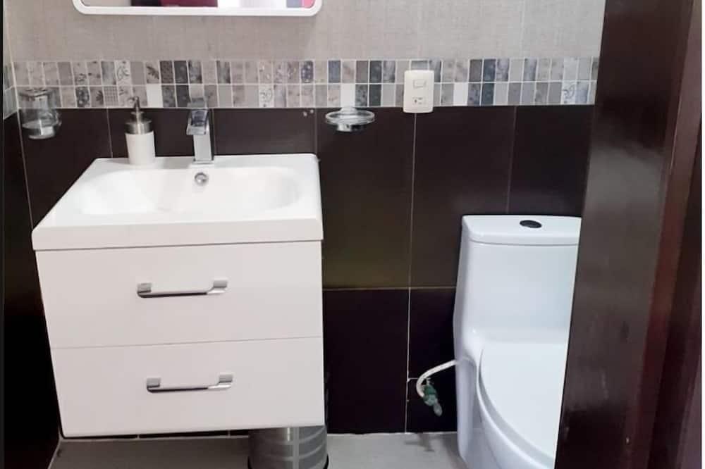 Junior-sviitti (2) - Kylpyhuone