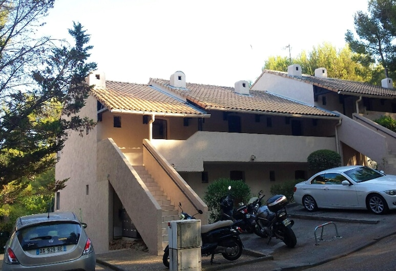 Apartment With one Bedroom in Bandol, With Furnished Terrace - 2 km From the Beach, Bandol