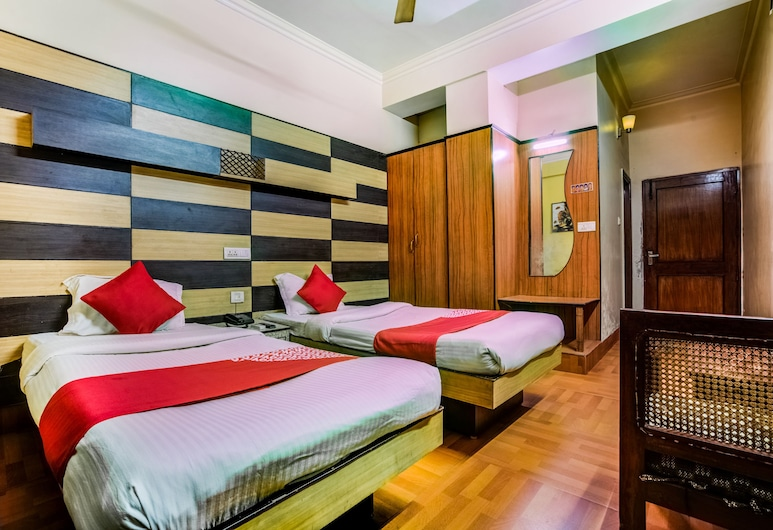OYO 35368 Hotel HillTop, Chas, Double or Twin Room, Guest Room