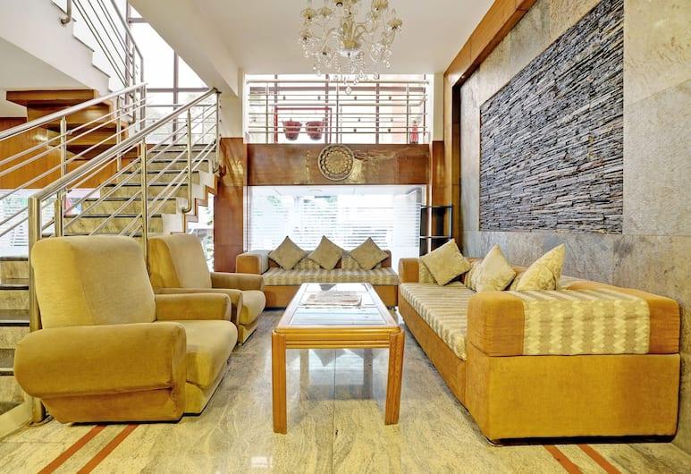 OYO 872 West Park Hotel, Bengaluru, Sittområde i lobbyn