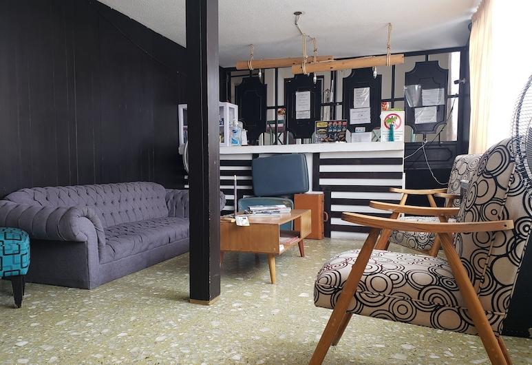 Hostal Boutique La Vie En Rose, אגואס קליינטס, חדר מעונות משותף גלריה, נוף מחדר האורחים
