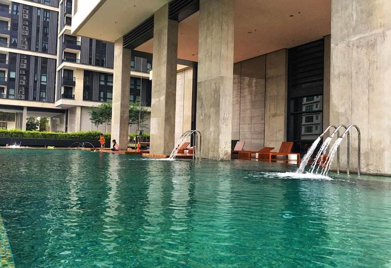 Arcoris by Plush, Kuala Lumpur, Outdoor Pool