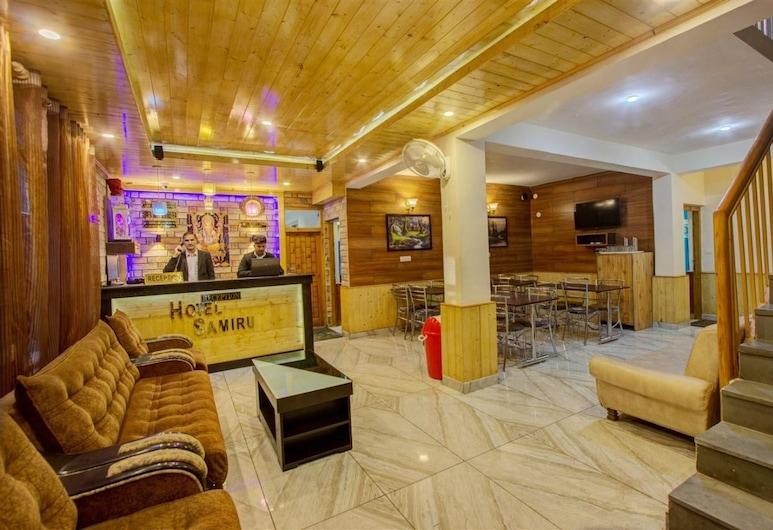 Hotel Samiru, Manali, Sala de estar en el lobby