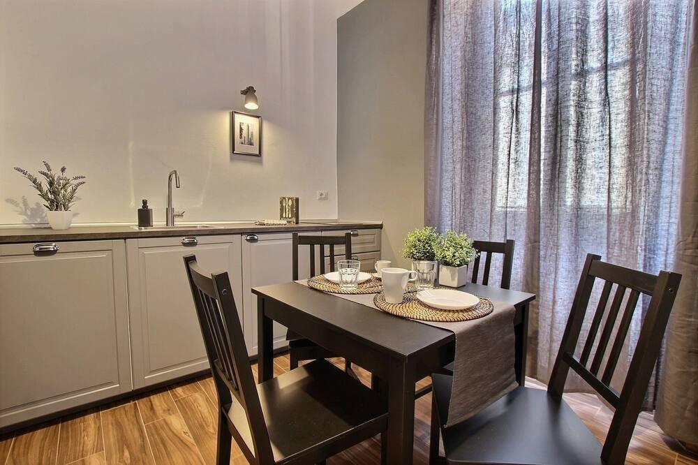 Apartamento Clássico, 1 Quarto - Refeições no Quarto