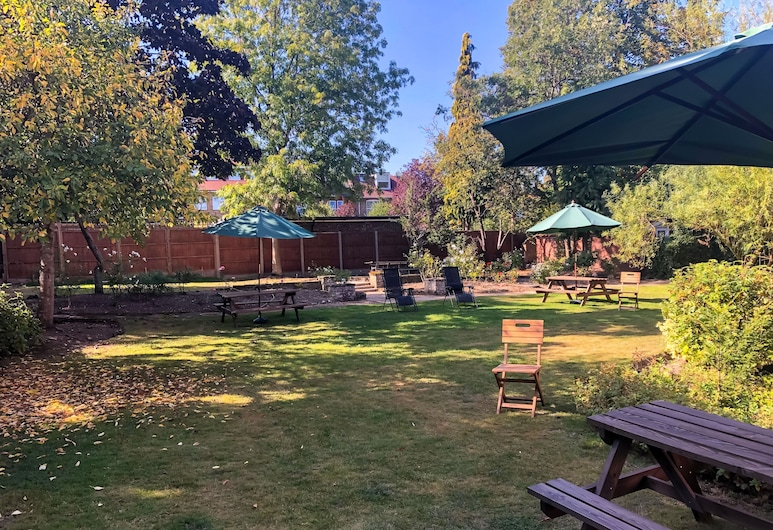 Mapesbury Lodge, London, Garten