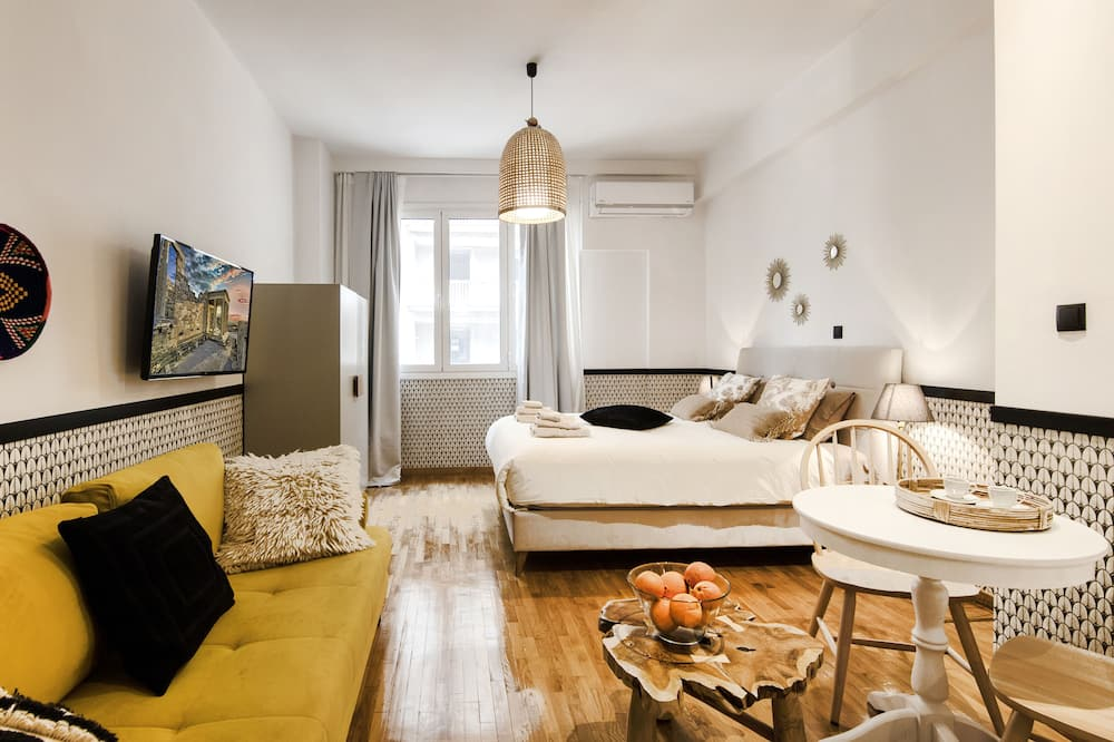 Design Studio, 1 Double Bed with Sofa bed, Non Smoking, Refrigerator - Living Area