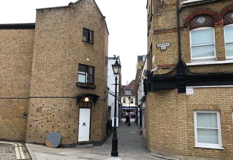 Spacious Flat in King's Cross, London