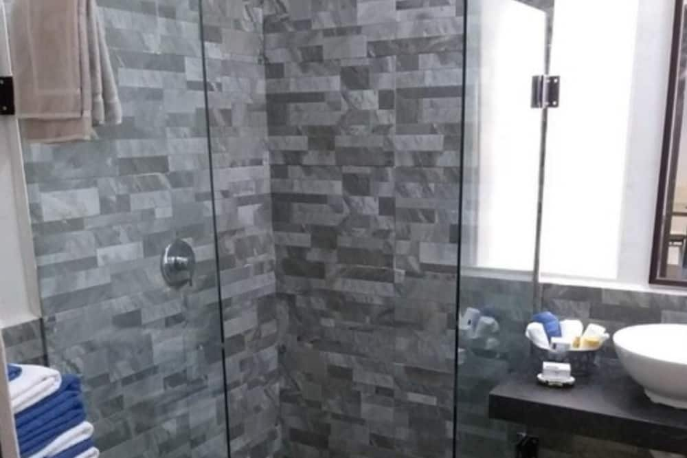 豪华开放式套房 - 浴室