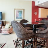 Condo, Multiple Beds, Private Pool, Ocean View - Living Area