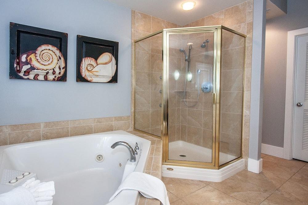 Condo, Multiple Beds, Balcony, Ocean View - Bathroom