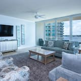 Spacious Unit With Unobstructed Views - Unit Crd0902
