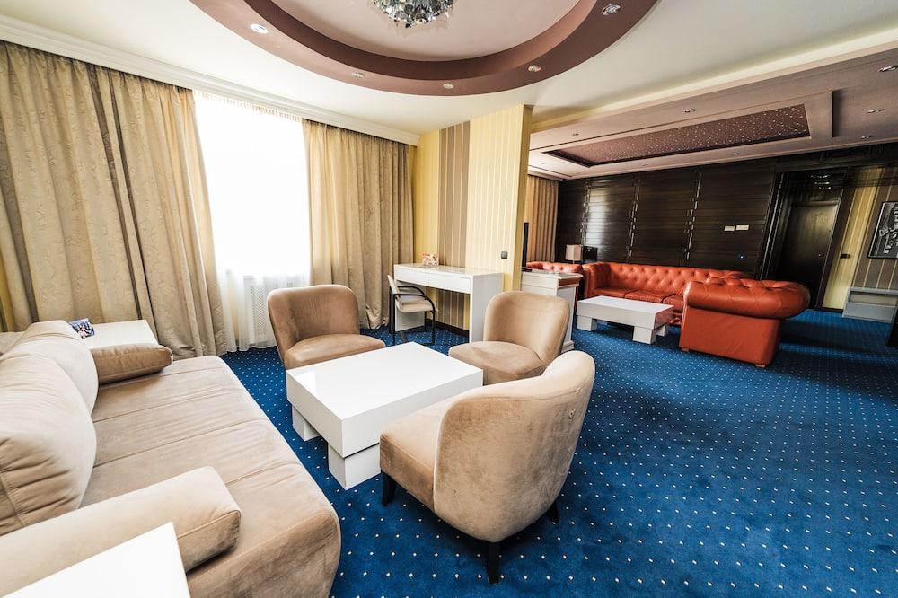 Президентский люкс - Гостиная
