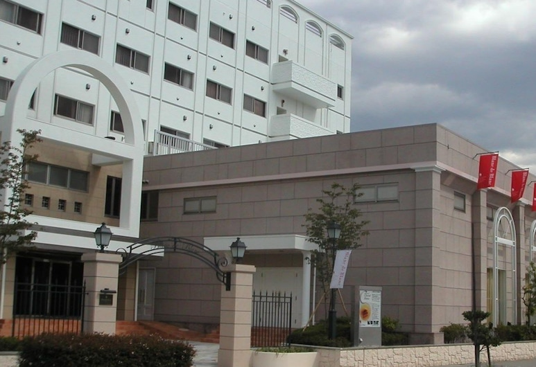 Yamanashi Grand Hotel, Chūō