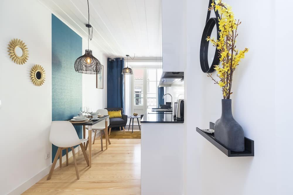 City Apartment, 1 Bedroom (3E) - Living Area