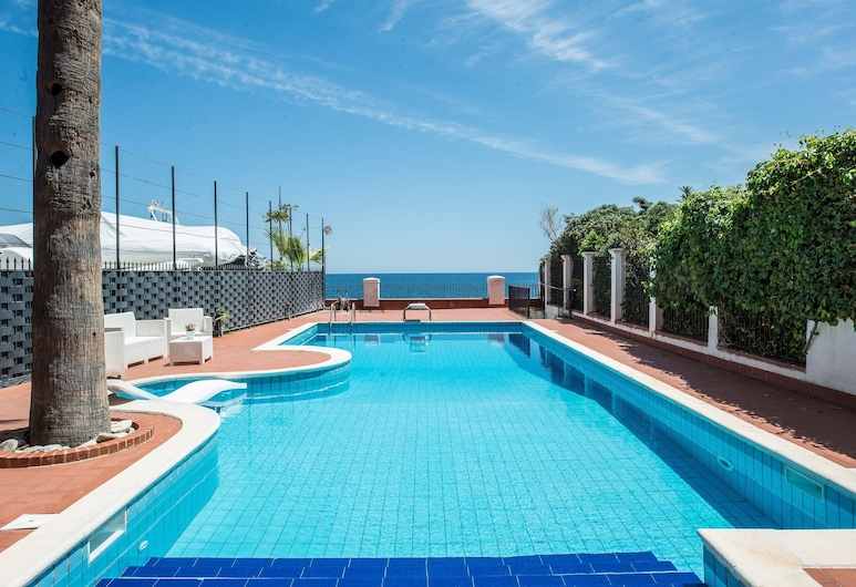 B&B Villa Liberty sul mare, Palerme, Piscine en plein air