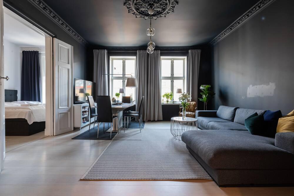 2 bedroom apartment 8 guests